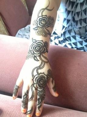Simple Mehndi Designs For Girls 0017