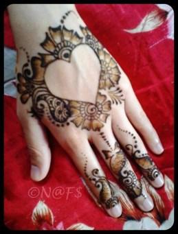 Simple Mehndi Designs For Girls 005