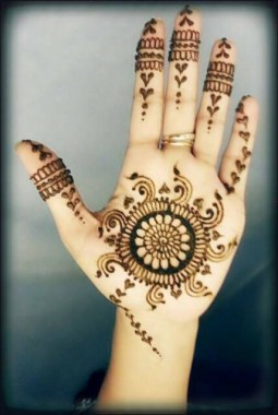 Simple Mehndi Designs For Girls 008