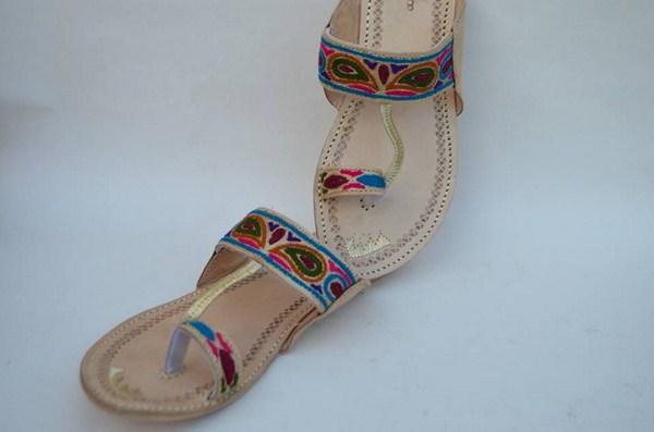 Zari Khussa Mahal Kolhapuri Shoes 2014 For Women 0011