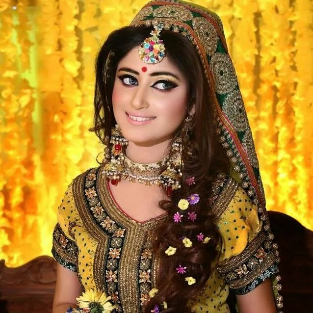 Trends Of Bridal Mehndi Makeup For Summer Season 002