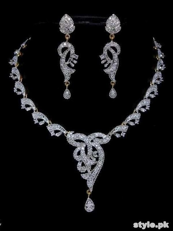 Stylish Bridal Necklace Designs