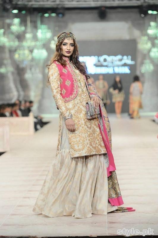 Latest Bridal Gharara Designs 2017 In Pakistan 1016