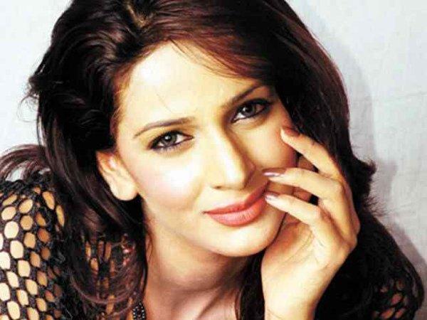 Pakistani Celebrities And Their Favorite Foods004