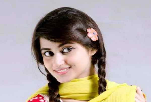 Pakistani Celebrities And Their Favorite Foods005