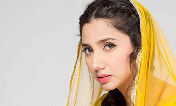 Top 5 Highest Paid Pakistani Actresses In 2015 001