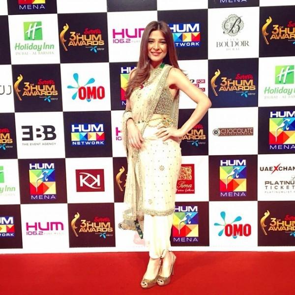 ayesha omer dress at 3rd hum awards