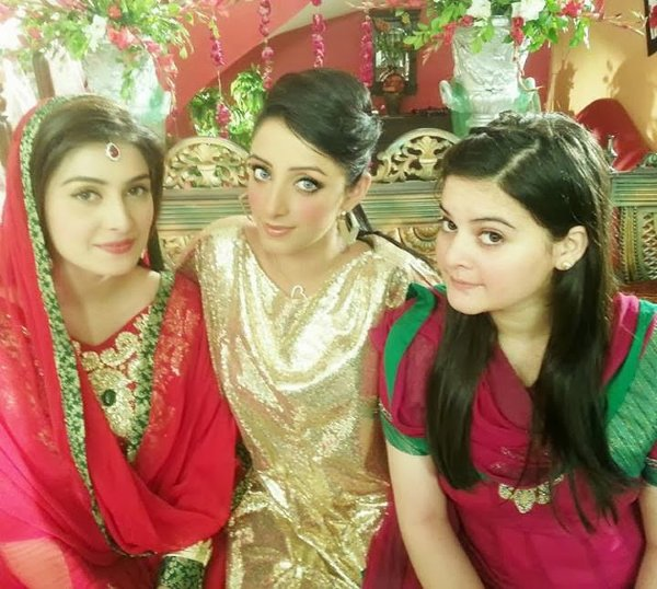 Pakistani New Actress Sanam Chaudhry Profile And Pictures002