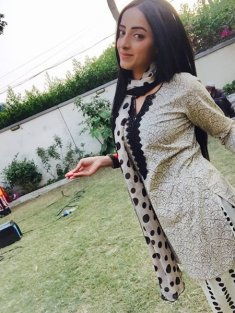 Pakistani New Actress Sanam Chaudhry Profile And Pictures006
