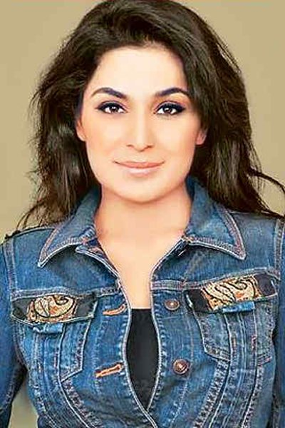 Which Pakistani Female Celebrities Are Trouble Makers03