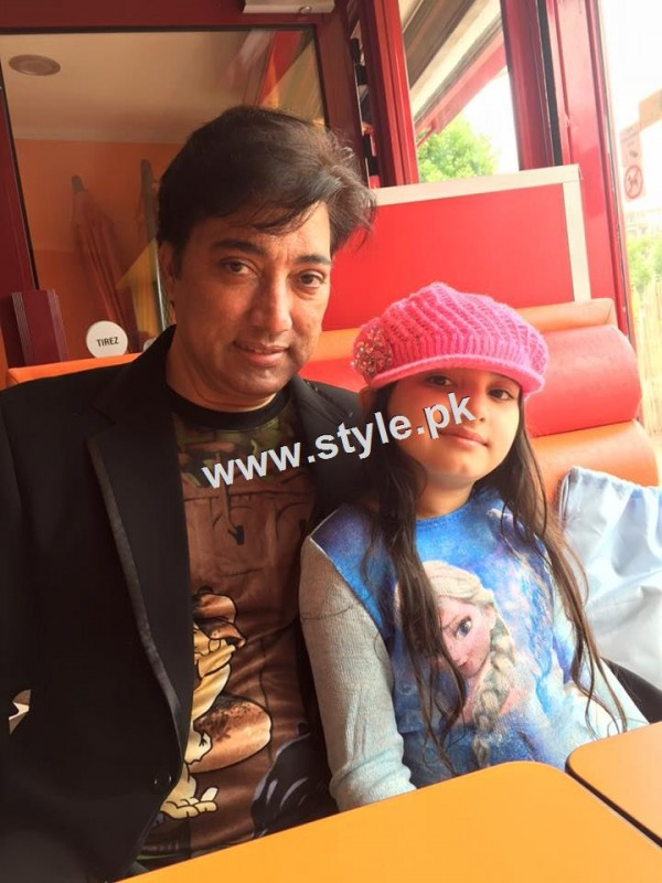 Pictures of Celebrity fathers with their daughters 11