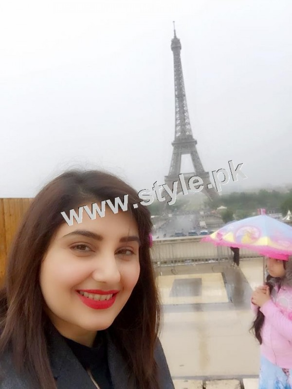 Pictures of Javeria and Saud with Family in Paris 7