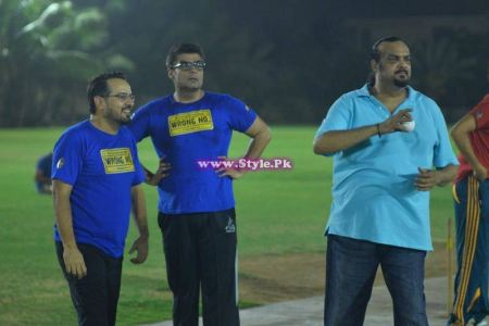 See Team of Movie Wrong No in Stadium for playing Cricket.