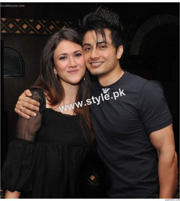 Top 18 Couples of Pakistani Celebrities