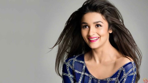 Which Bollywood Celebrities Are Single And Enjoying Bachelor Life005