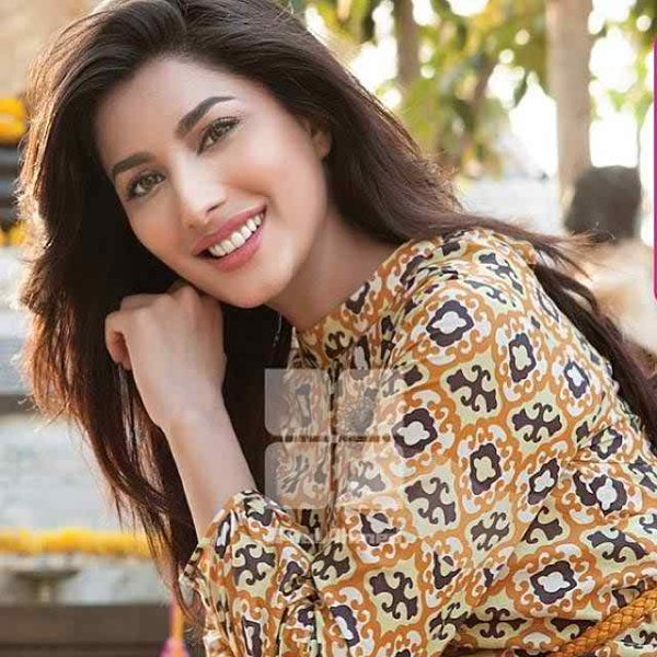 Which Pakistani Actresses Are Above 30 And Not Married Yet001