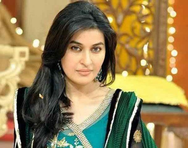 Which Pakistani Female Celebrities Take Divorces Because Of Their Career001