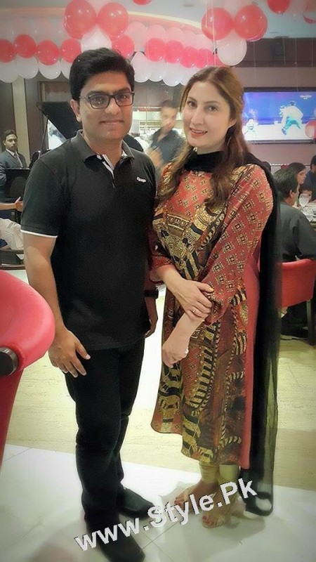 Film Star Saima Noor's Birthday Celebrations (4)