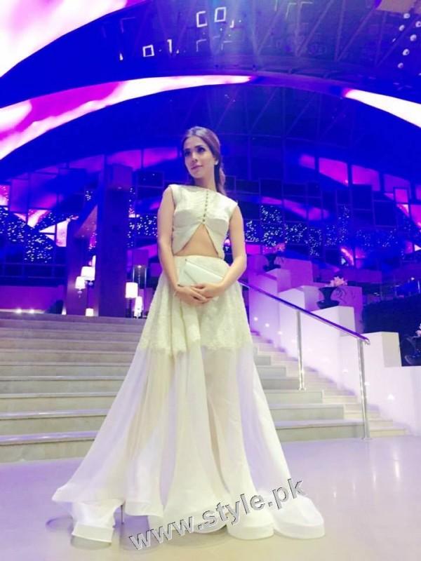 Humaima Malick Stunned up for DMPS Dubai Premiere (3)