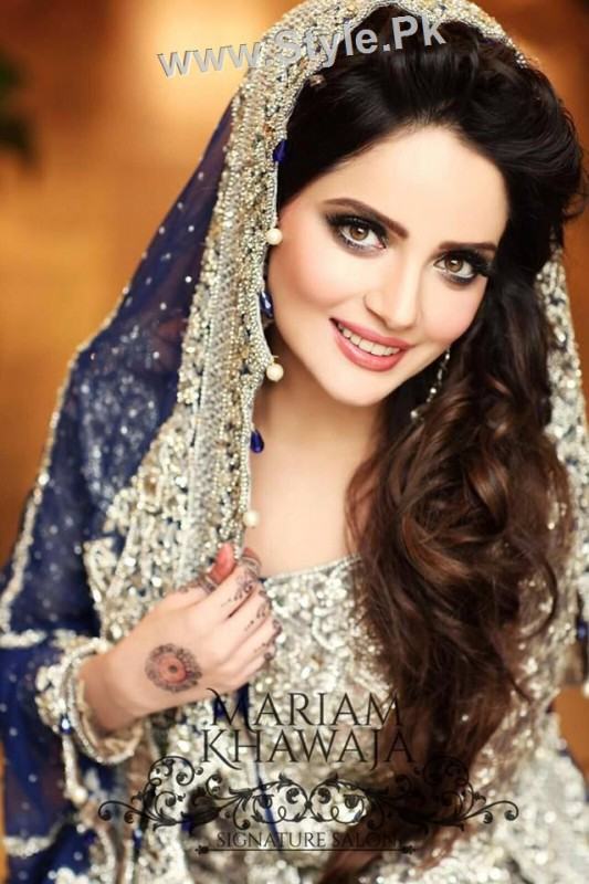 Latest Clicks Of Armeena Khan