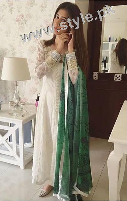 Pakistani Celebrities on Independence Day 2015 (2)