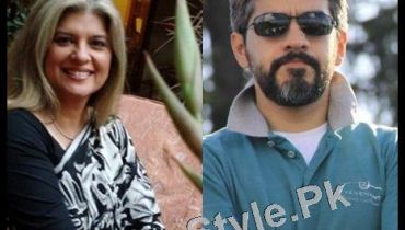 See Pakistani Celebrities who prefer to have White hairs