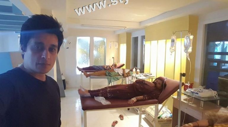 See Sahir Lodhi took selfies in hospital!