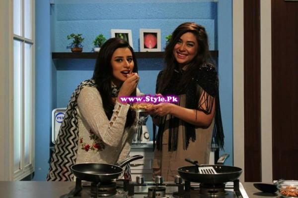 Komal Rizvi insulted Geo Kahani's morning show (6)