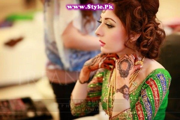See Most Stylish Female Politicians of Pakistan