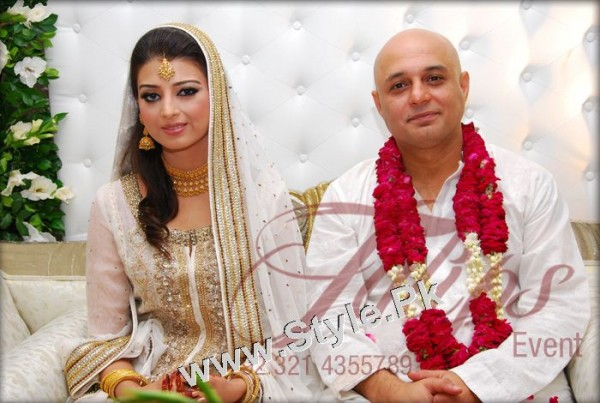 Pakistani Celebrities who got married in old age (4)