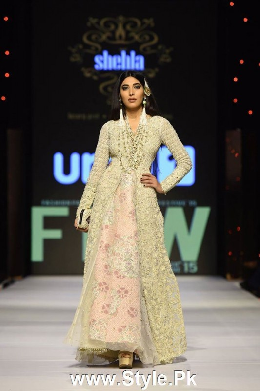 Classy Looks of Pakistani Models on FPW15 Day 1 (15)