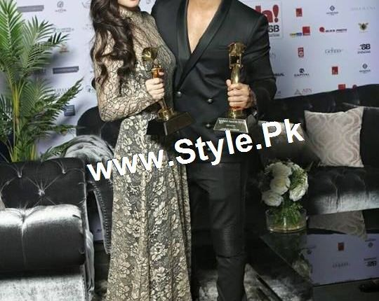 See Mahira Khan and Varun Dhawan are winners of Masala Awards 2015