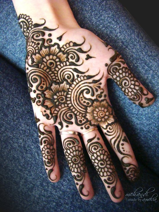 Mehndi design for kids-arabic