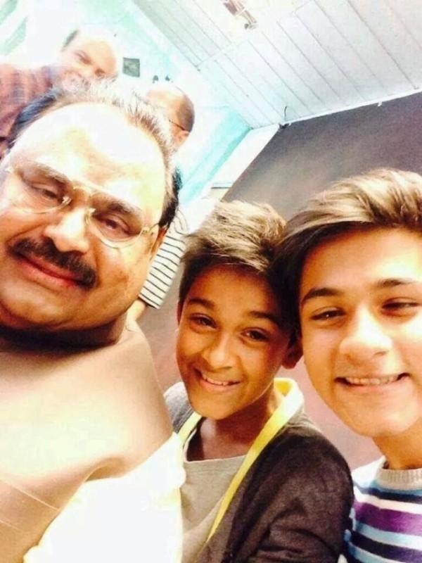 altaf hussain selfies