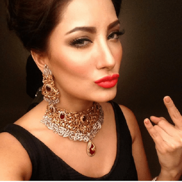 mehwish hayat duck face