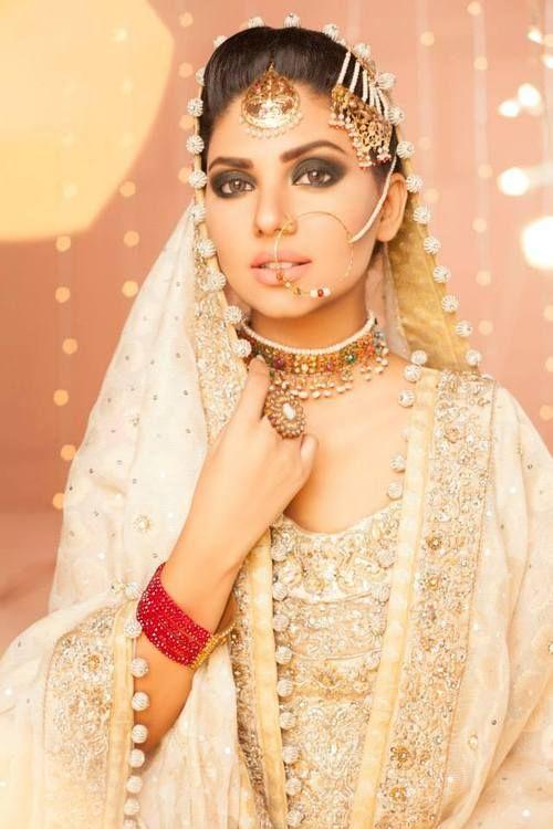 white dress pakistani bridal jewelry sets