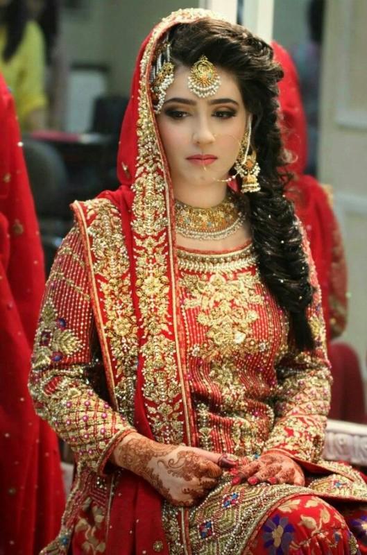 Bridal Hairstyles - side braid