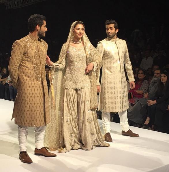 Mahira Khan at Pakistan Fashion Week 2015