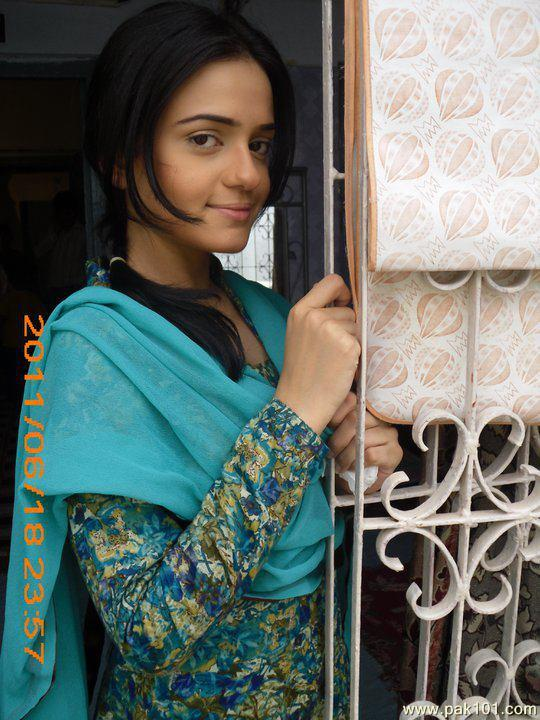 Sumbul Iqbal old pic
