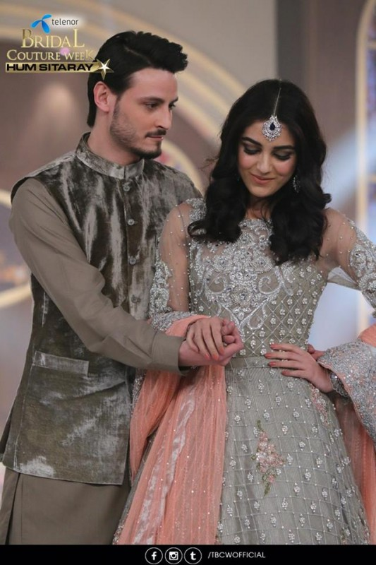 The beautiful couple Maya Ali and Osman Khalid Butt romanced on ramp (6)