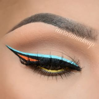 Colorful Graphic eyeliner