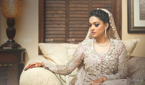 See Interesting Facts about Sanam Jung's Wedding