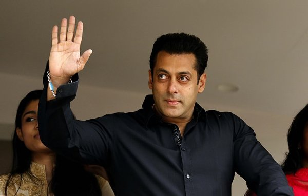 List Of Bollywood Actors And Their Obsession002