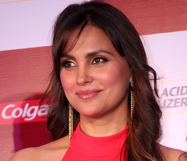 List Of Bollywood Actresses And Their Obsession004