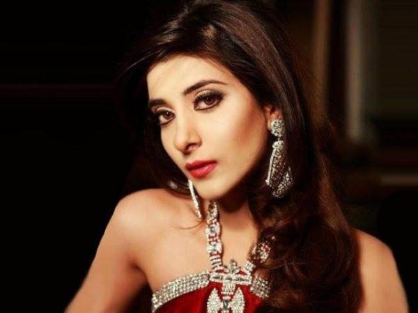 Pakistani Celebrities endorsing Afzal Jewelers (9)