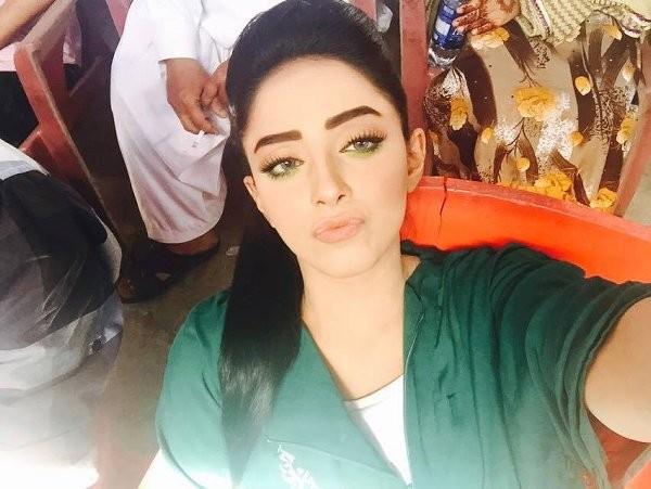 Unseen  Sanam Chaudhry Selfie Photoshoot-profile
