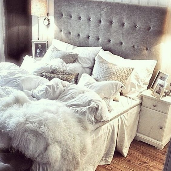Cozy Bedrooms For Winters.skin