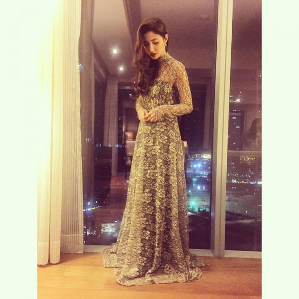 Mahira khan's most iconic Style moments. frock