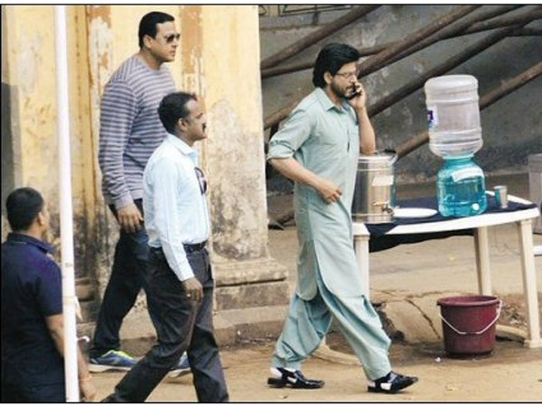Shah Rukh Khan Raees set