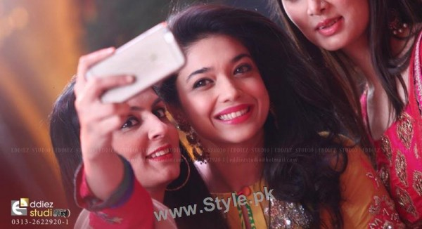 Top 10 Pictures in which Sanam jung is smiling high (4)